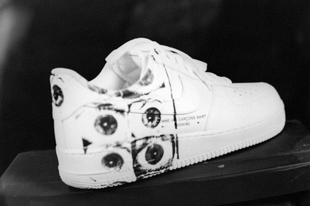 http   www.hotnewhiphop.com supreme-x-comme-des-garcons-x-nike-air-force-1- low-to-release-tomorrow-news.31107.html ... 9c6cbc79e