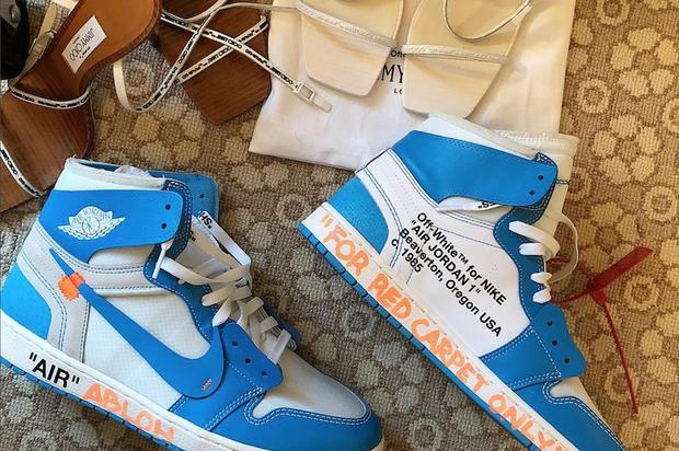 https   www.hotnewhiphop.com virgil-abloh-debuts-off-white-x-air-jordan -1-unc-news.49633.html 4f49dcb75