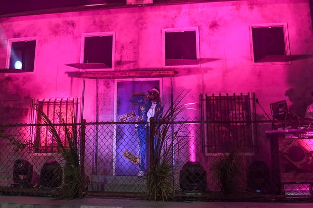 5fa385bc095 2 Chainz Reviving His Pink Trap House As A Haunted House For Halloween