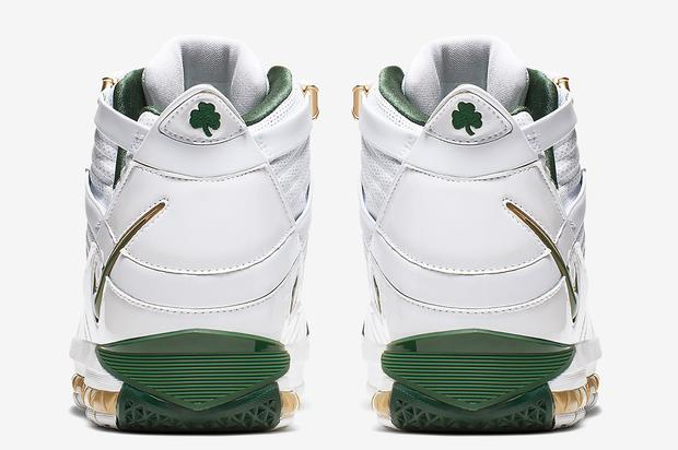 check out c9a9b 993fc SVSM LeBron 3s releasing for first time since  06.  https   www.hotnewhiphop.com nike-lebron-3-svsm-release -details-announced-news.80047.html