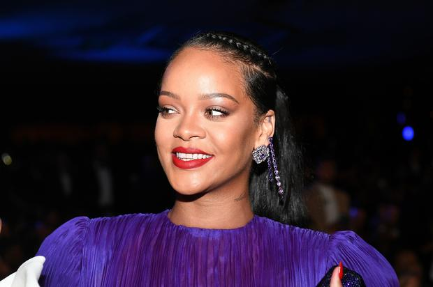 """Rihanna Defends """"Real Housewives"""" Star After Singer Was Mentioned On Show"""