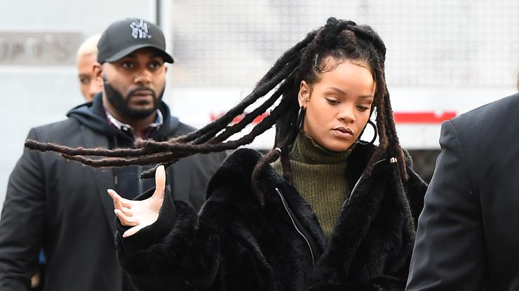 Rihanna S 8 Studio Albums To Be Released As Vinyl Box Set