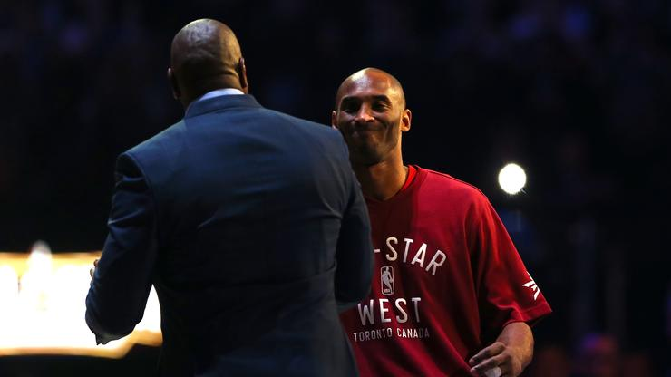 d8ed5ee555b7 Kobe Bryant Thinks Magic Deserves 2nd Statue For Pulling Off LeBron Signing