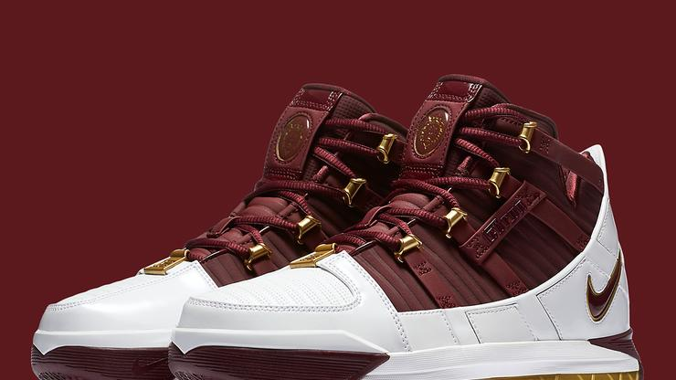 official photos 59bc9 c88a2 Nike LeBron 3
