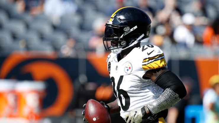 e30f1362109 Steelers Rumors  Teams Haven t Been Aggressive In Le Veon Bell Trade Talks