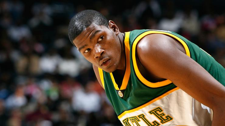 0986adc8e Kevin Durant Pays Tribute To Shawn Kemp In NBA Preseason Return To Seattle