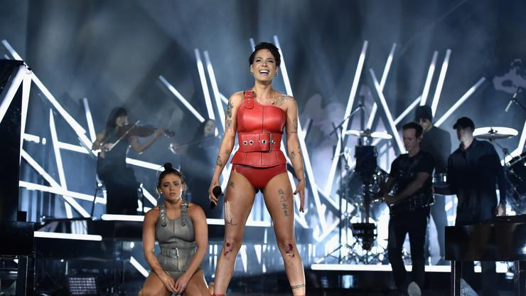 Halsey Hits The Stage For Emotional Performance Of