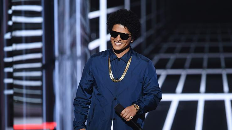 Bruno Mars Demands $1M Concert Promoter Lawsuit Be Thrown Out - HotNewHipHop