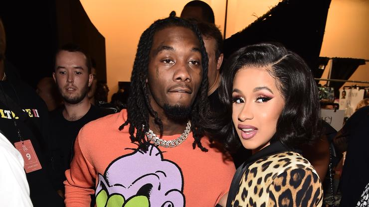 Offset Appears To Scramble To Hide Phone From Cardi B - HotNewHipHop