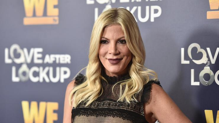 Tori Spelling Receives Backlash For Charging Fans $95 For IG Live Session - HotNewHipHop