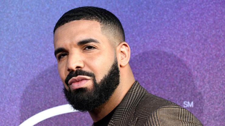 Drake Partied With Kylie Jenner, Chris Brown, MGK, & More Last Night