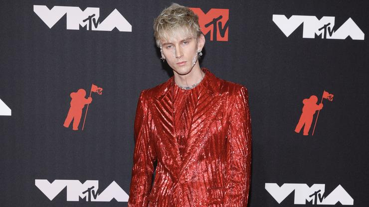 Machine Gun Kelly Wont Face Charges In Alleged Parking Lot Attack: Report